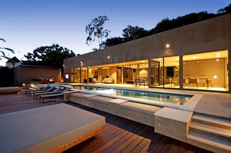 Cordell Drive Residence in Hollywood Hills - e-architect