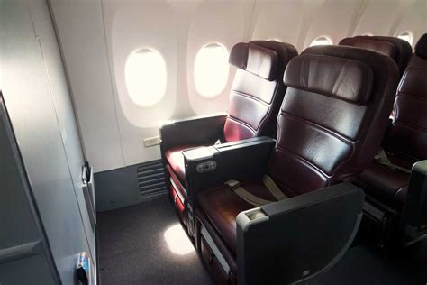 Qantas Domestic Business Class Overview + How to Book it