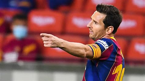 Barcelona star Messi becomes first player to score in 16